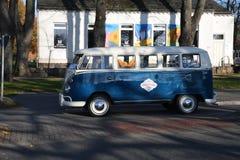 Fourgon de wagen de VW Volks dans le Burg Fehmarn Allemagne image stock