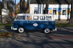 Fourgon de wagen de VW Volks dans le Burg Fehmarn Allemagne photographie stock libre de droits