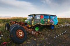 Fourgon hippie abandonné Image stock