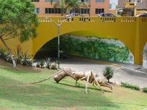 Fourmi faite avec la matière végétale dans Barranco, Lima Photos libres de droits