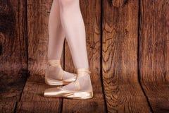 Fourth pozycja w klasycznym balecie Baletniczy pas Nogi balleri Zdjęcie Stock