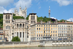 Fourvière Hügel und die Heilig-Jean-Kathedrale Stockfotografie