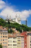 Fourviere basilika vid en solig dag, Lyon, Frankrike Royaltyfri Foto