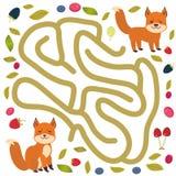 Fox e bacche della foresta sul gioco bianco del labirinto del fondo per i bambini in età prescolare Vettore Immagine Stock Libera da Diritti