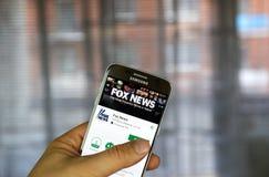 Fox News app på Samsung S7 Arkivbild