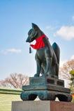 Fox rzeźba w Fushimi Inari-taisha świątyni Zdjęcia Royalty Free