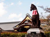 Fox statue at the Fushimi-Inari shrine 2 Royalty Free Stock Photos