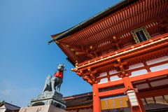 Fox statue in fushimi inari shrine Royalty Free Stock Photos