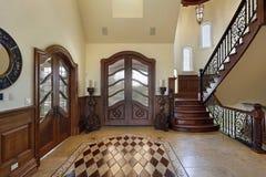 Foyer avec la conception d'étage image libre de droits