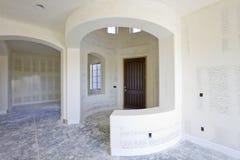 Foyer dans une Chambre neuf construite Photo libre de droits