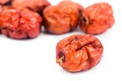 Foyer haut et sélectif de fin les dates rouges chinoises sèches au premier plan Image libre de droits