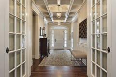 Foyer mit französischen Türen Lizenzfreie Stockfotografie