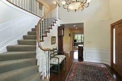 Foyer mit großväterlicher Borduhr Stockbild
