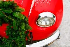 Foyer sélectif de phare rouge de scarabée Humeur de fête Concept de déplacement image stock