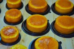 Foyer sélectif, gâteau de beurre sur le bois Photographie stock
