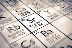 Foyer sur l'élément chimique de strontium Images stock
