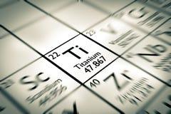 Foyer sur l'élément chimique titanique photographie stock