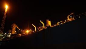 FPSO在石油平台船具附近的罐车船 影视素材