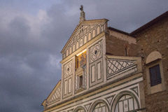 Främre fragment av basilikaSan Miniato al Monte Florence italy Royaltyfri Fotografi