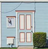 främre hus för dörr till Royaltyfri Fotografi