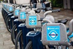 främre london för cyklar hyra Royaltyfria Bilder