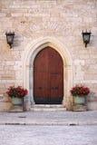 främre medeltida för dörr Arkivfoto