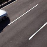 främre motorväg för bil fotografering för bildbyråer