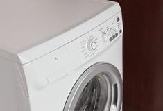 främre påfyllningmaskintvätt Arkivfoton