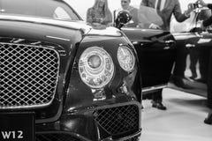 Främre sikt av bilen för bil för motor för bentley W12 den lyxiga på Belgrade bilshow Royaltyfria Foton