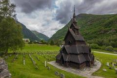 Främre sikt av Borgund Stave Church, Norge Royaltyfria Foton