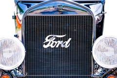 Främre sikt av den Ford Model T bilen Arkivbild