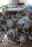 Främre sikt av den gamla dieselmotorn fotografering för bildbyråer