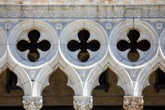 Främre sikt av doges slottfasaden i Venedig, Italien arkivfoto