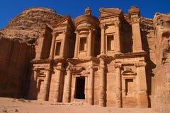 Främre sikt av El Deir eller kloster, Jordanien Fotografering för Bildbyråer