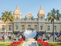 Främre sikt av kasinot de Monte - carlo, Monaco Royaltyfri Bild