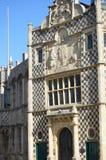 Främre sikt av konungar Lynn Guildhall royaltyfria bilder