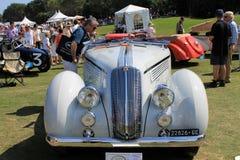 Främre sikt för antik italiensk bil Royaltyfria Foton