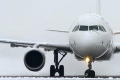 främre sikt för flygplan Royaltyfri Foto