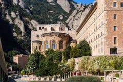 Främre sikt för Montserrat kloster Arkivfoton