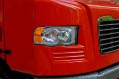 Främre slut av en halv lastbil, medan parkerat Fotografering för Bildbyråer