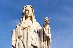 Främst kyrka jungfruliga Mary för hållande radband, Matrei i Osttirol arkivbild