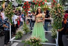 Fräulein Philippines, Binibining Pilipinas verbindet Santacruzan in Manila lizenzfreie stockfotos