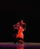Fråga kyss-identiteten av dentango dansdramat Arkivbilder