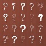 Frågefläckar - räcka utdraget på träbrunt Royaltyfria Bilder