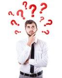 Frågor rundar ett huvud arkivbild