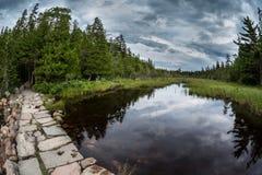 Från att fotvandra runt om Jordan Pond Royaltyfria Foton