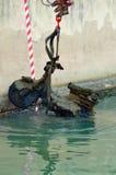 Från avgrunden Viale Caprera dyka upp sparkcyklar, värma sig Royaltyfri Bild