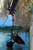 Från avgrunden Viale Caprera dyka upp sparkcyklar, värma sig Arkivfoto