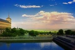 Från El Escorial in mot Madrid Arkivfoton