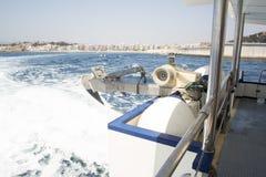 Från fartygdäck till havet Arkivfoto